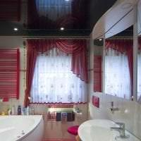красивый черный потолок в декоре квартиры фото