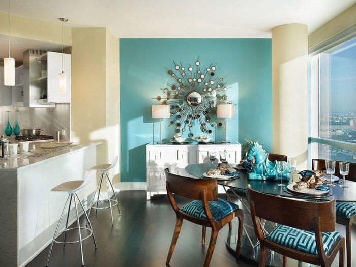 необычный дизайн квартиры в бирюзовом цвете