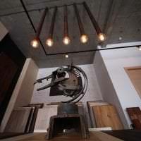 стиль потолка с бетоном в спальне картинка