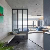 отделка потолка с бетоном в гостевой фото