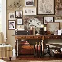 деревянные часы в кухне в стиле эко фото