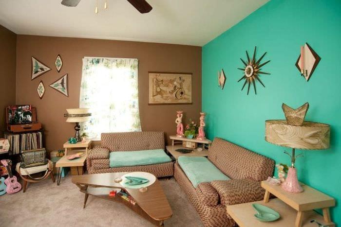 яркий цвет тиффани в интерьере спальни