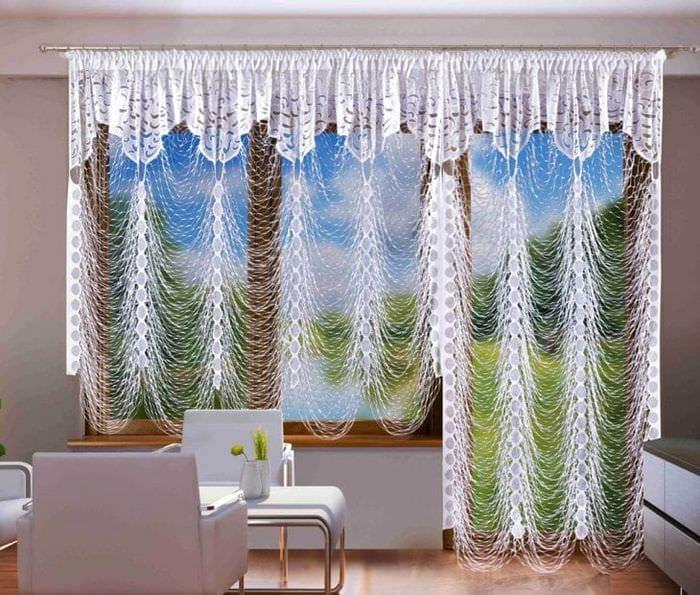 яркие шторы нити в стиле спальни