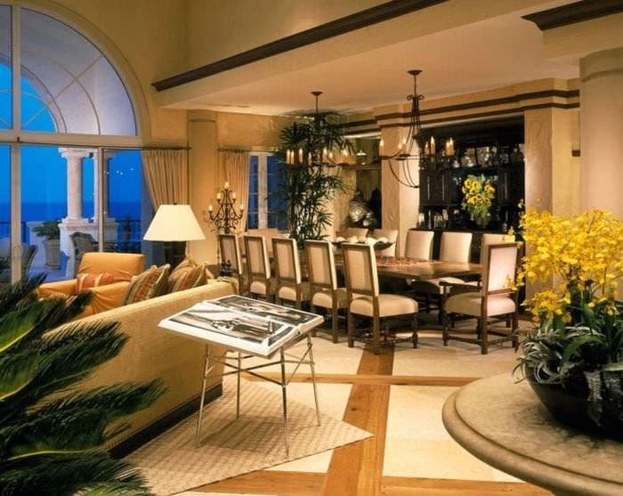 светлый декор гостиной в стиле эклектика