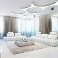 светлый диван в дизайне прихожей фото