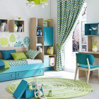 необычный стиль коридора в бирюзовом цвете картинка