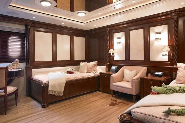 красивый дизайн гостиной в шоколадном цвете