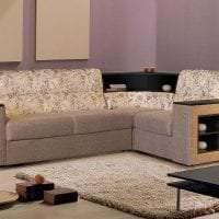 темный угловой диван в стиле прихожей фото