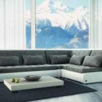 темный угловой диван в интерьере квартиры фото