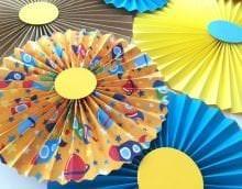 веер из бумаги в дизайн спальни фото