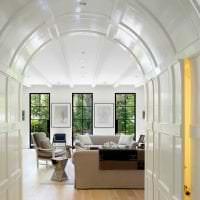 яркая арка в дизайне спальни фото