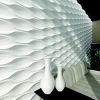 светлая алюминевая 3д панель в коридоре фото
