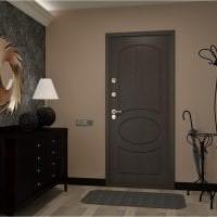 яркие двери в дизайне прихожей фото