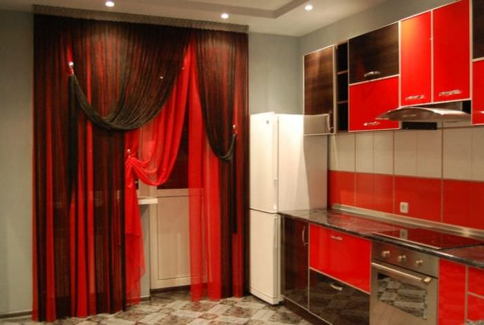 светлые шторы нити в дизайне спальни