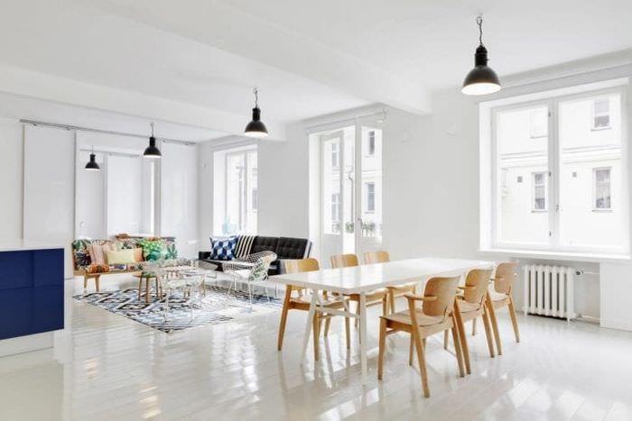 красивый белый пол в интерьере квартиры