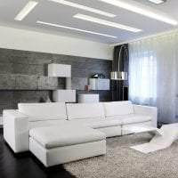 яркий диван в дизайне спальни фото