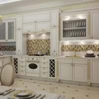 красивый дизайн белой кухни с оттенком бежевого фото