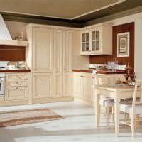 красивый дизайн бежевой кухни в стиле классика фото
