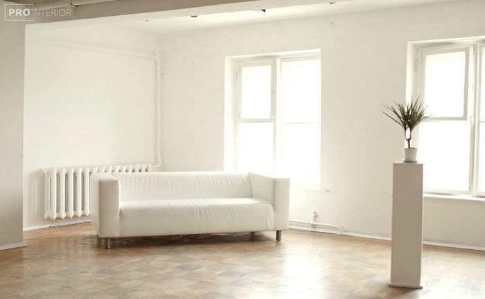 светлый интерьер кухни в белом цвете