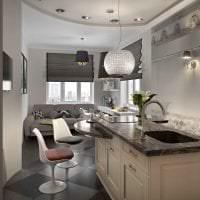 светлый стиль белой кухни с оттенком бежевого фото