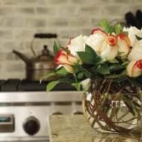 живые цветы в стиле кухни картинка