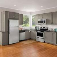 большой холодильник в стиле кухни в ярком цвете фото