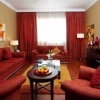 яркий бордовый цвет в дизайне спальни фото