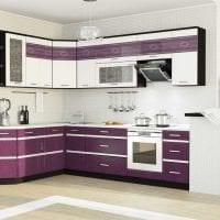 необычный интерьер кухни в фиолетовом цвете фото