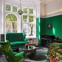 яркий фисташковый цвет в декоре квартиры картинка