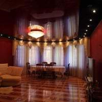 насыщенный бордовый цвет в дизайне коридора фото