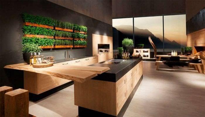 большой холодильник в интерьере кухни в бежевом цвете