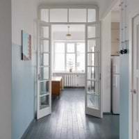 яркий интерьер коридора в стиле авангард фото