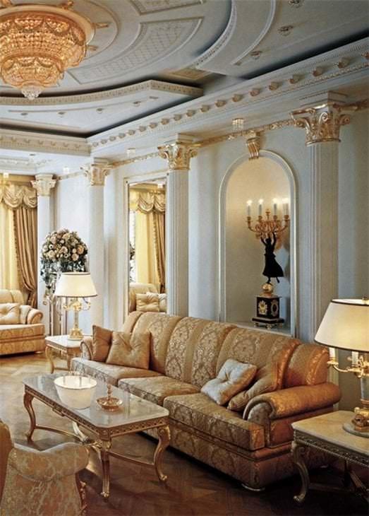 яркий интерьер кухни в стиле барокко