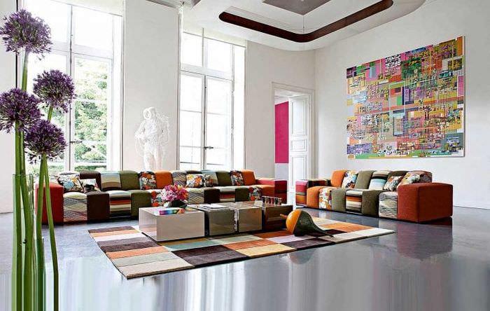 светлый интерьер спальни в стиле авангард