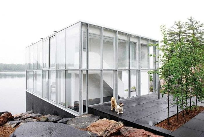 отражающее стекло в дизайне квартиры