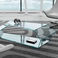 отражающее стекло в интерьере кухни фото