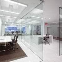 прозрачное стекло в интерьере прихожей фото