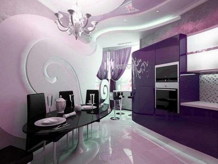 комбинирование сиреневого цвета в дизайне коридора