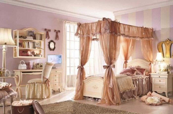 красивый декор спальни в стиле рокко