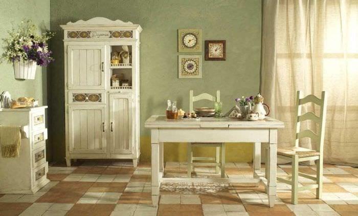 яркий интерьер кухни в стиле кантри