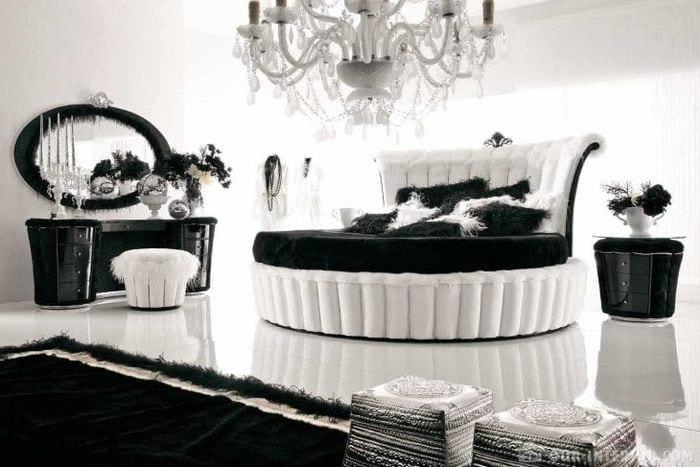 яркая белая мебель в стиле гостиной