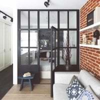 яркий дизайн коридора в стиле лофт фото