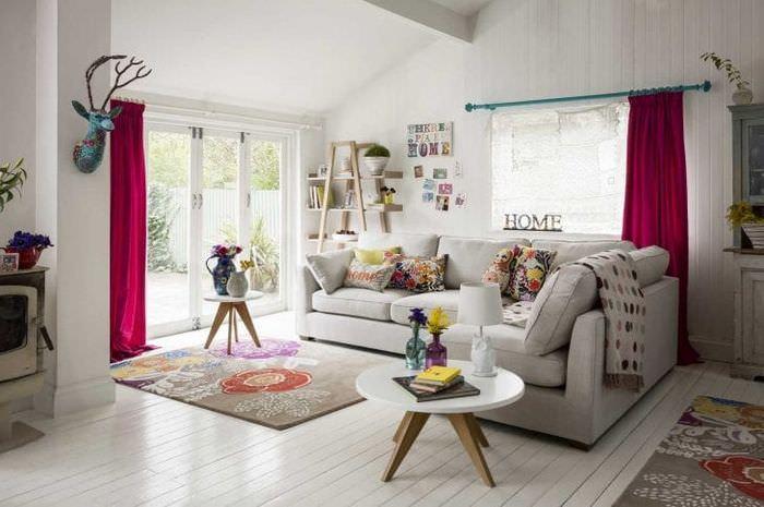светлый декор спальни в стиле бохо