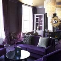 светлый фиолетовый диван в фасаде прихожей фото