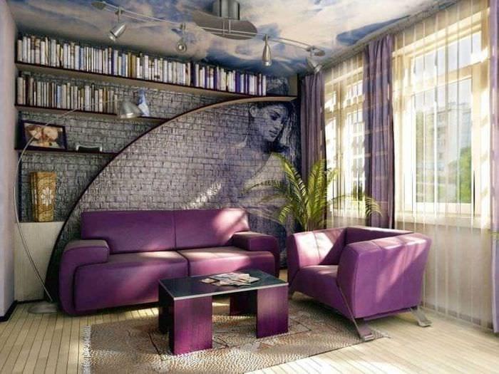 светлый фиолетовый диван в фасаде прихожей