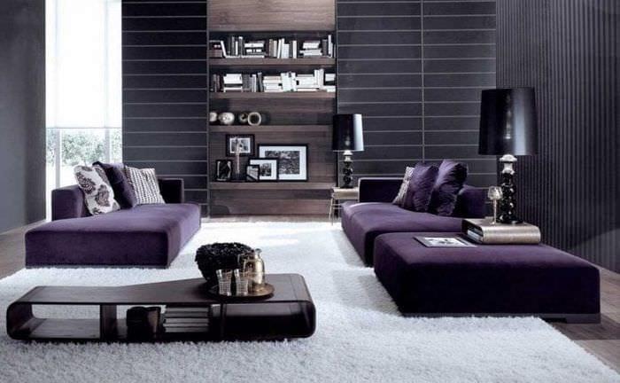 светлый фиолетовый диван в стиле спальни