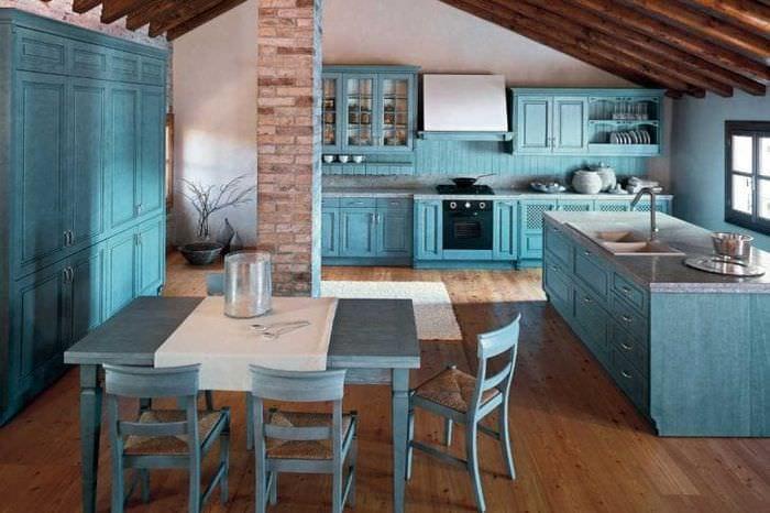 Дизайн кухни синий и слоновая кость