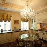 темный интерьер элитной кухни в стиле классика фото