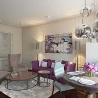 темный фиолетовый диван в дизайне дома фото