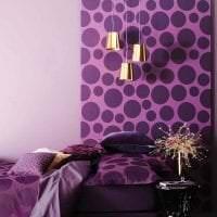 светлый фиолетовый диван в интерьере коридора картинка